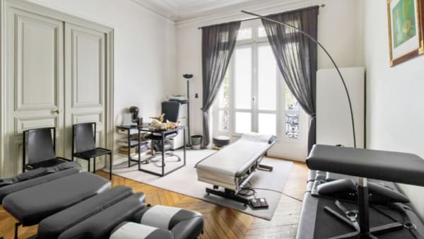 bureau florent schoofs decompression neurovertebrale osteopathe urgence cabinet osteopathie florent schoofs osteopathe paris 7 osteopathe 75007