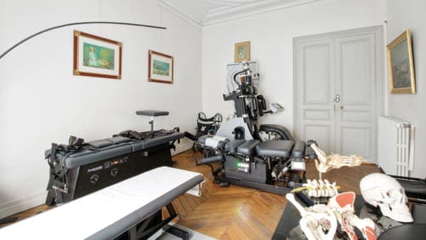 tables decompression neurovertebrale florent schoofs decompression neurovertebrale osteopathe urgence cabinet osteopathie florent schoofs osteopathe paris 7 osteopathe 75007