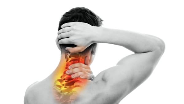 traction cervicale cervicalgie chronique cervicalgie aigue cervicalgie traitement douleur cou douleur au cou douleur cou epaule mal au cou florent schoofs osteopathe paris 7